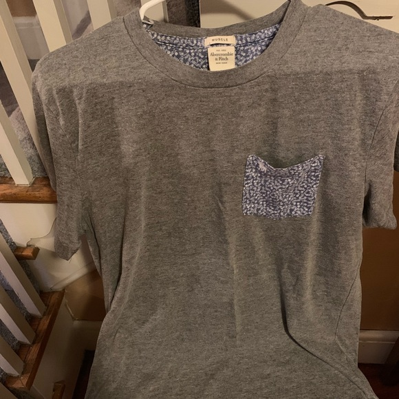 Abercrombie & Fitch Other - Abercrombie gray muscle tee with decorative pocket